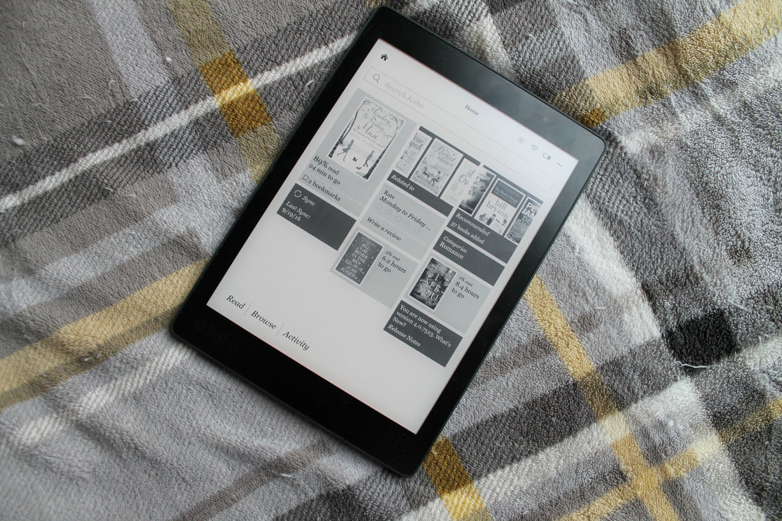Kobo Aura One eReader Review