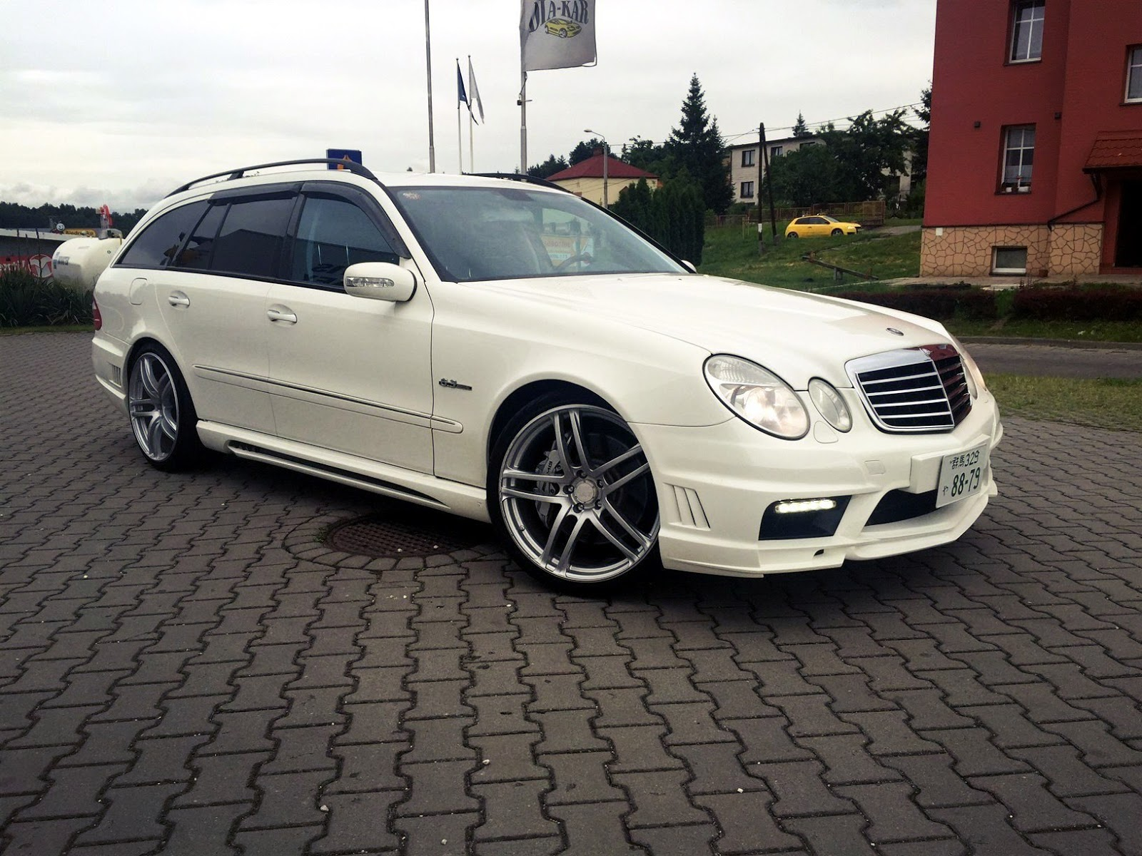 Mercedes benz s211 e63 amg wald black bison benztuning for Mercedes benz e amg