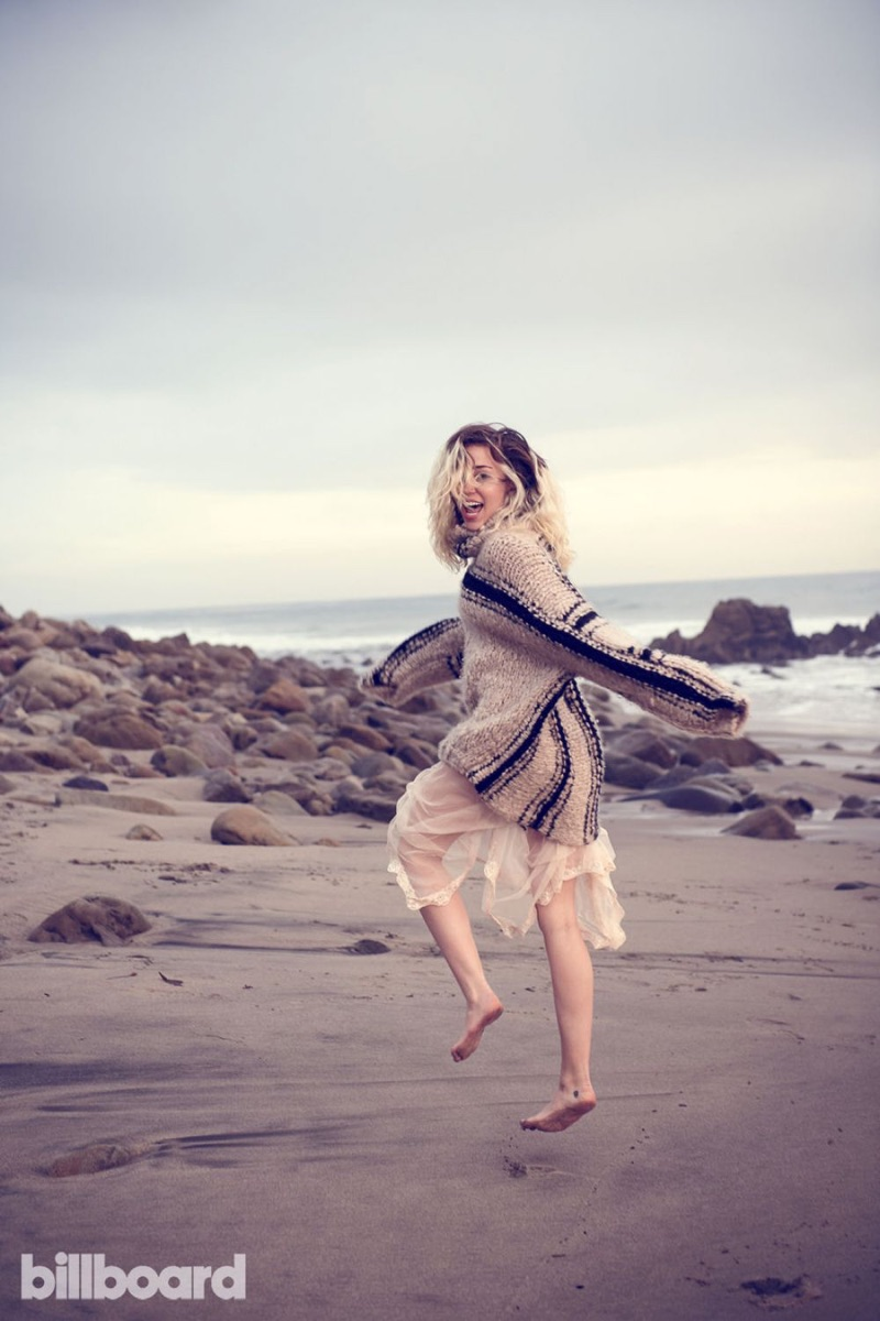 Miley Cyrus goes bohemian chic for Billboard Magazine