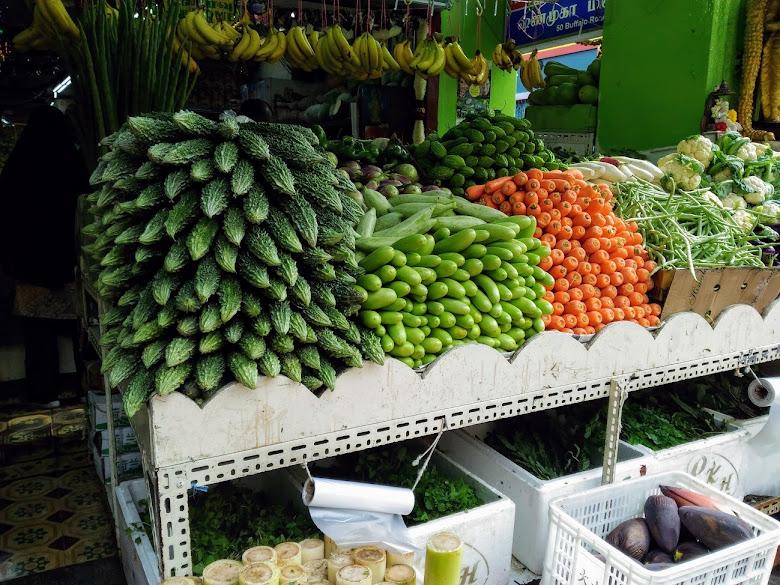 小印度蔬果攤商,成堆很新奇