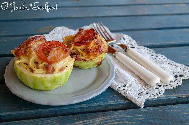 Gefüllte Zucchini mit Spätzle - Jankes*Soulfood