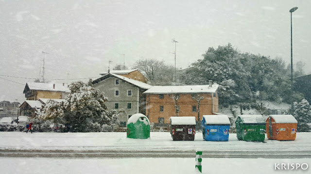 barrio santa engracia de hondarribia con nevada