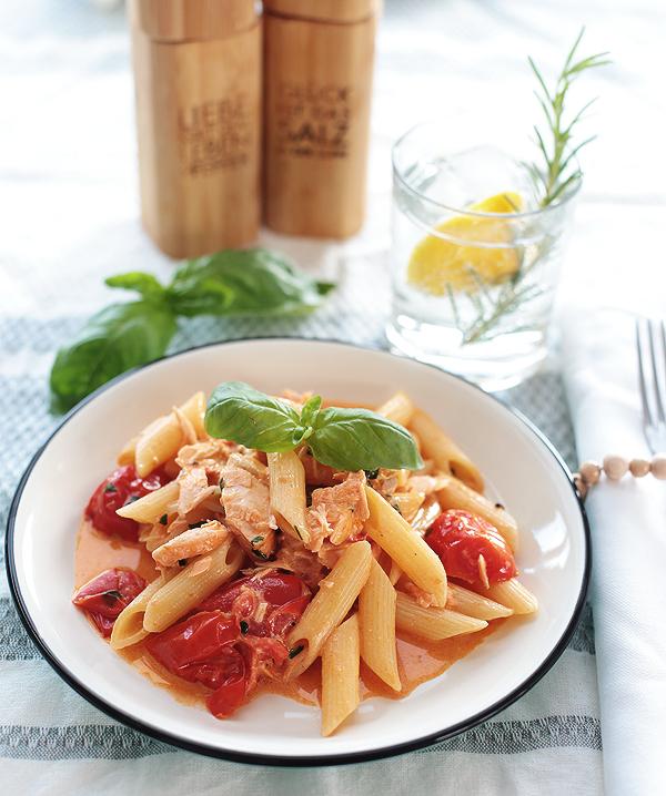 Pastaglück Pasta Penne al Salmone Nudeln Lachs Tomaten Sahne Soße