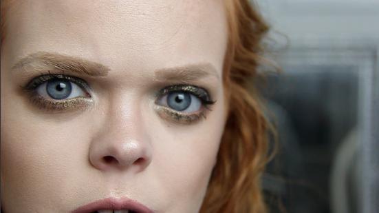 Antique Black Gold Metallic Eye & Glowy Complexion | Makeup Tutorial | labellesirene.ca