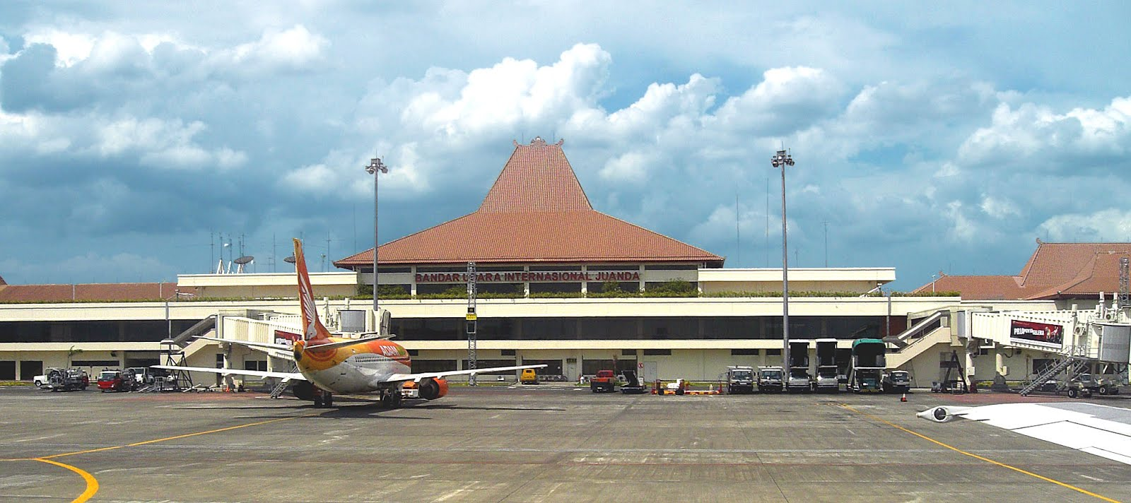 Cek Harga Tiket Pesawat Makassar Surabaya Disini Pesan Tiket