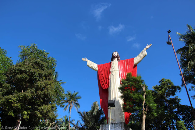 Kamay ni Hesus Statue on Top, Quezon Province