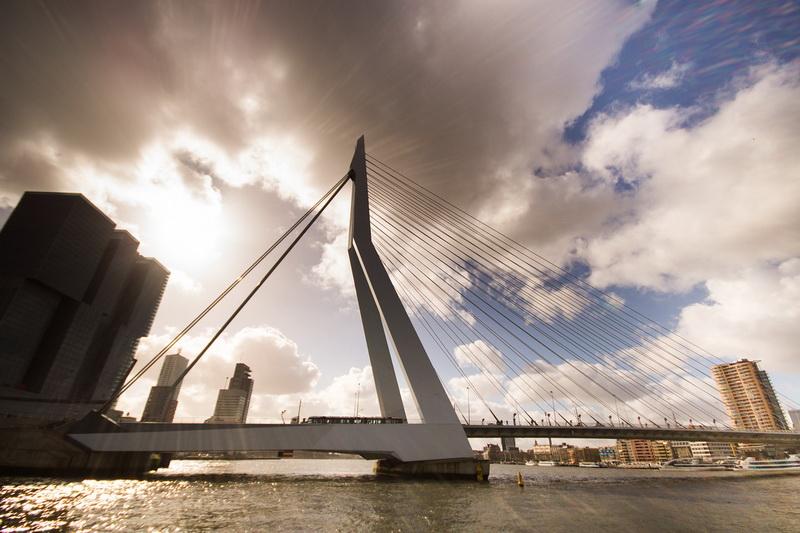 Cầu cảng Rotterdam