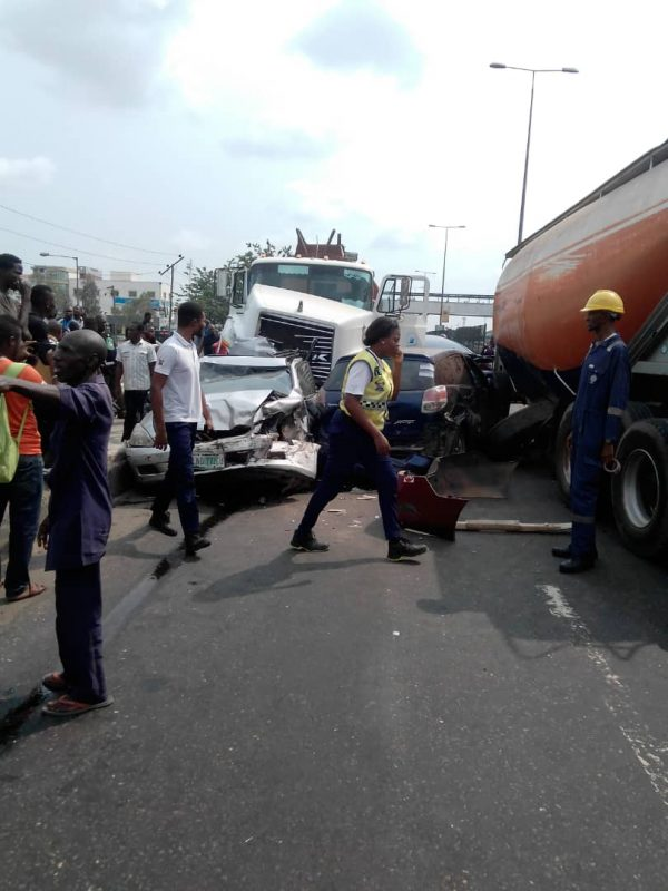 Photos From A Tragic Motor Accident Involving Four Vehicles On Ikorodu Road