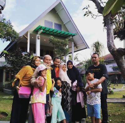 Liburan lebaran keluarga di Cisarua
