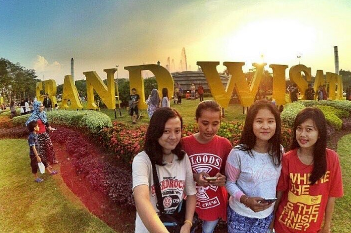 Grand Wisata Bekasi
