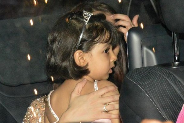 Birthday Girl Aradhya Bachchan looks good in Pink Outfit