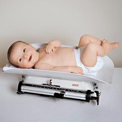 Cara Terbaik Menaikkan Berat Badan Bayi Dengan Cepat