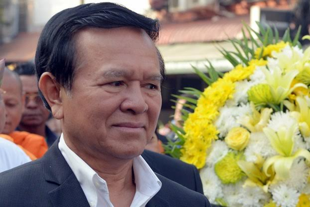 Cambodian opposition party deputy leader Kem Sokha at memorial service for slain labor activist in Phnom Penh, Jan. 22, 2015. AFP