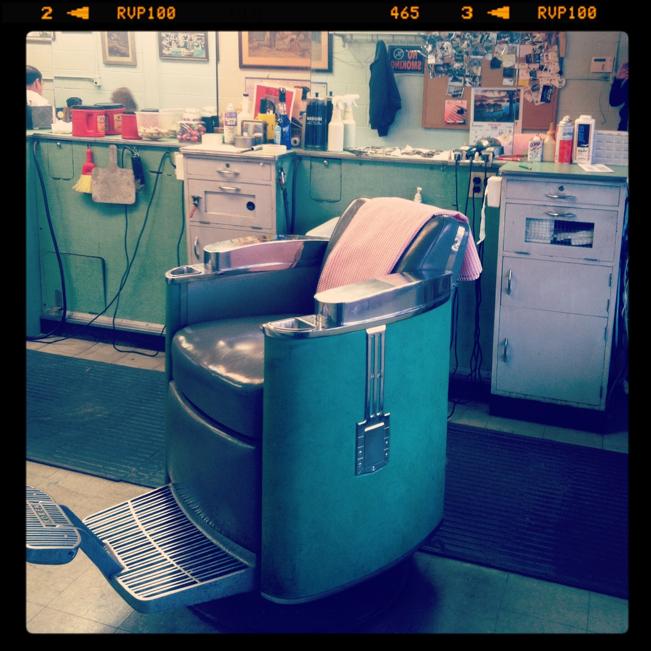 how much does a barber chair cost and ottoman sets under 200 39s wife