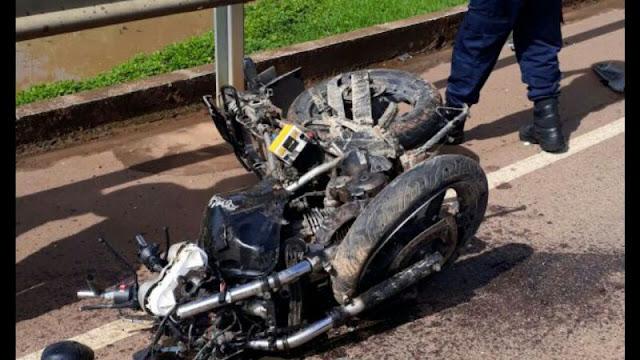 Motociclista morre em acidente na ponte do Rio Madeira em Porto Velho