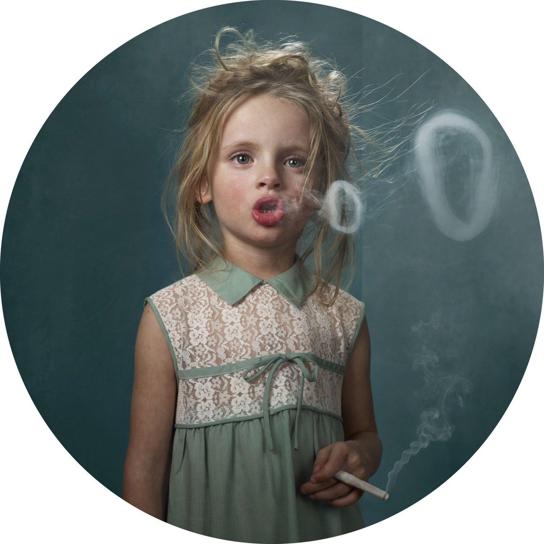 retro billeder Erfarne retro rygere < En sommerfugls selvmord retro billeder