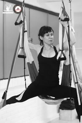 aeroyoga yoga aereo columpio, trapeze, swing, fly, flying, paraguay , dominique marzo 2018 3