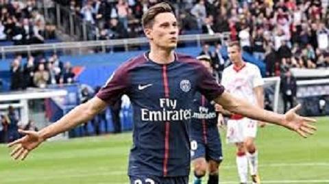 Julian chuyển sang PSG và trở thành trụ cột cho toàn đội