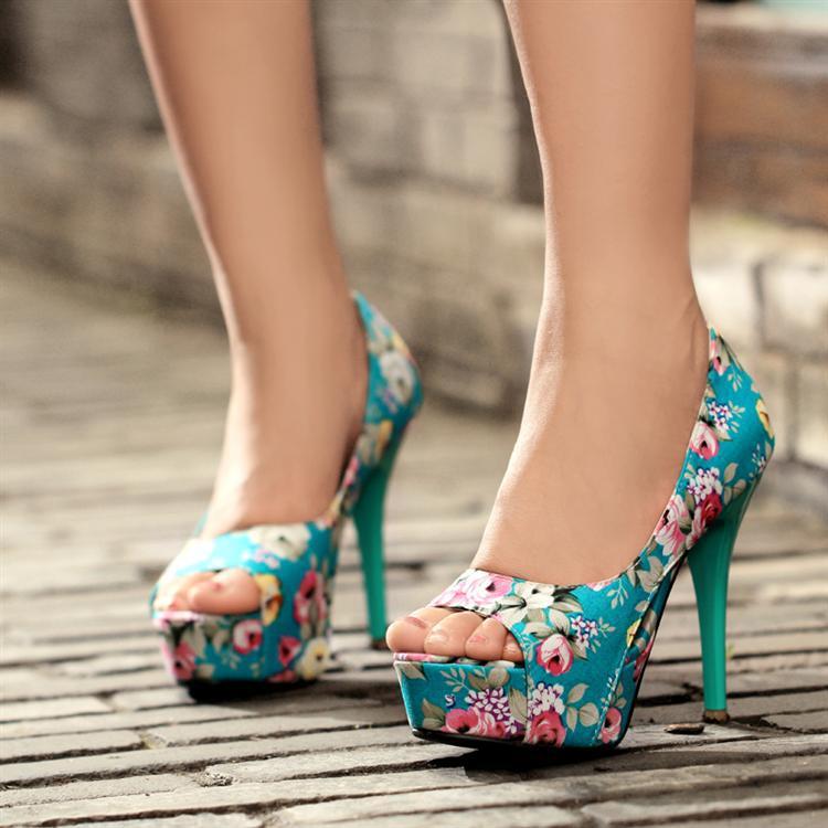 Sepatu wanita Open-Toe Shoes