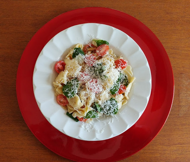 Parmesan Reggiano tomato and spinach Tortellini salad Recipe #sponsored