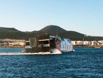 El Ferry de Naviera Armas,Alborán, navegando a Gran Canaria tras el accidente con una embarcación de recreo a pocos kilómetros de  la costa de Arucas (norte de la isla)