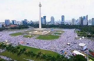 """Ahok Berhasil Menyatukan Indonesia """"Citro Mduro"""""""
