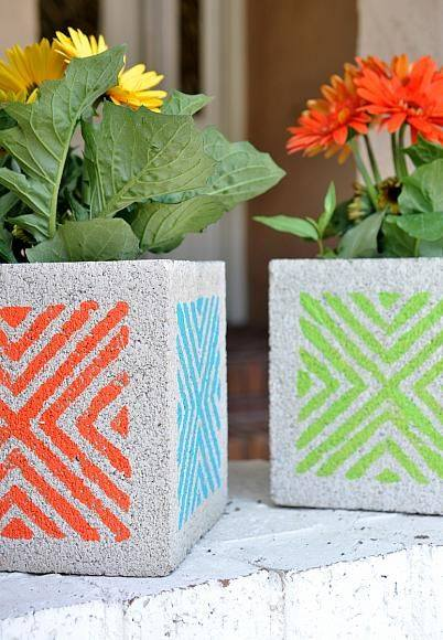 d%2Bgarden2-2 25 Stunning Planter Concrete Blocks Alternatives to Transform Your Backyard And That Are All Your Front Porch Needs Interior