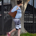 Pregnant Actress - Anne Hathaway shows off her blossoming baby bum