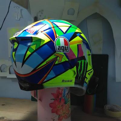 how to paint your helmet with rossi style graphic helmet soleluna 2016