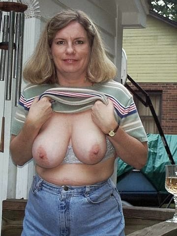 Mature woman Candid