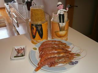 Fideua de pescado (con gambas).
