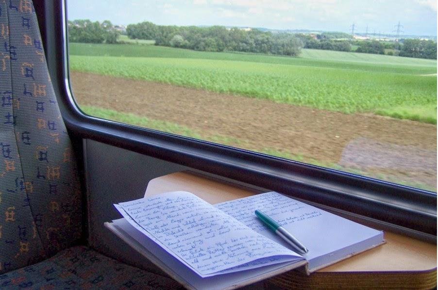 carnet d 39 andr e poulin crire dans un train. Black Bedroom Furniture Sets. Home Design Ideas