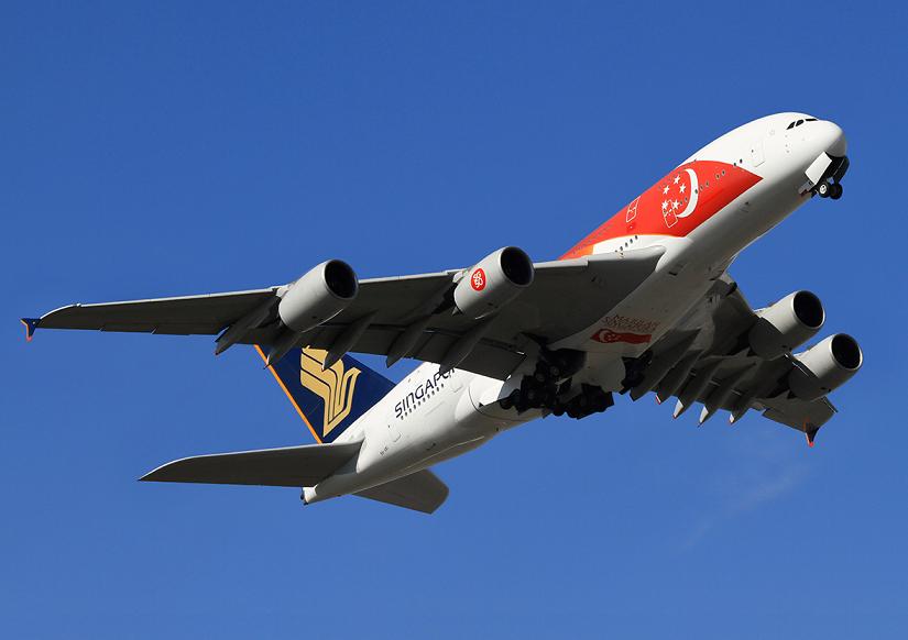 Singapore Airlines decora dos Airbus A380 con la bandera de Singapur por  aniversario. - Aviación al Día ▷ Noticias de Aviación