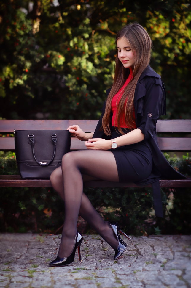 Ariadna Majewska  Black%2Bcoat%2Bblack%2Bskirt%2Bred%2Btop