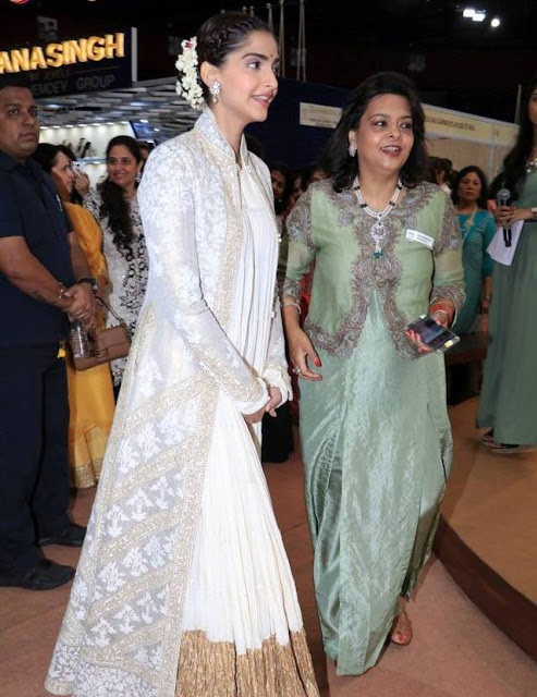 Sonam Kapoor in Heavy Rohit Bal Floor Length Off White Anarkali Suit