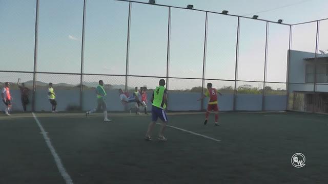 Pais de alunos da Escolinha L7 participam de torneio na Arena L7