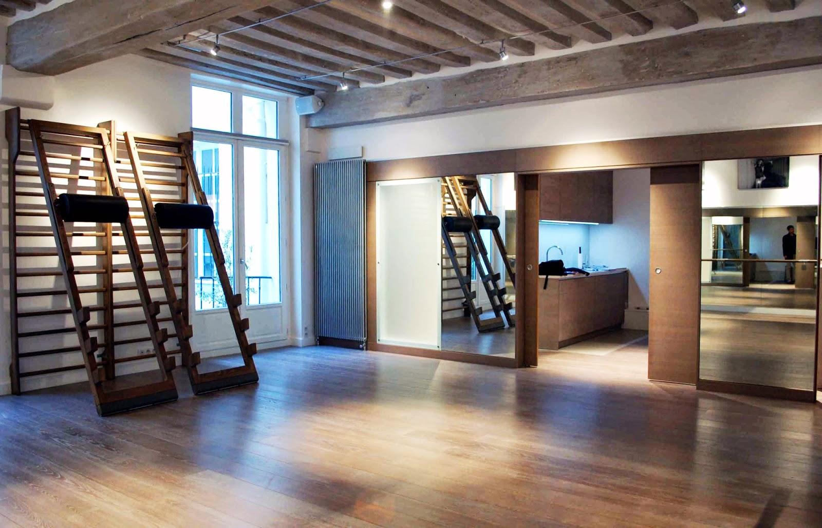 Aménager Une Salle De Yoga richard & tolouie architectes: studio de yoga, paris 6e