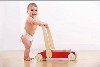 Các mốc phát triển của trẻ sơ sinh trong năm đầu đời-1