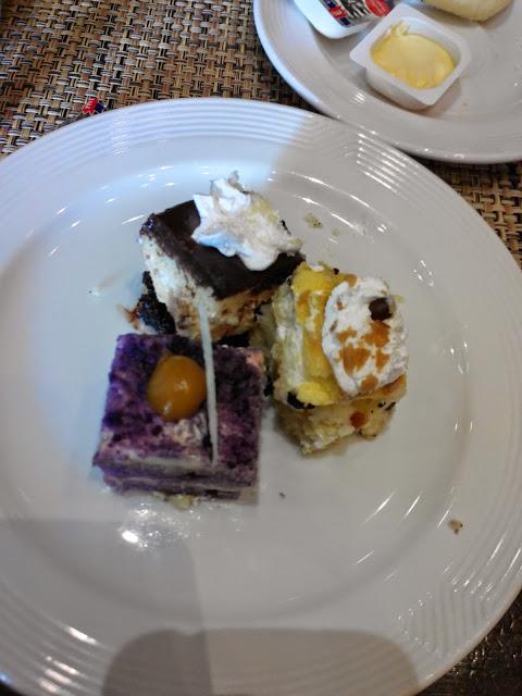 B Hotel Cafe desserts