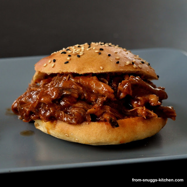 Pulled Pork mit Cola-BBQ-Sauce