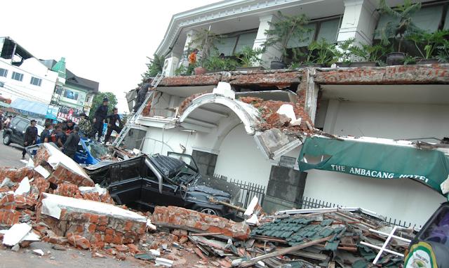 Mengenang Gempa 30 September 2009 Padang