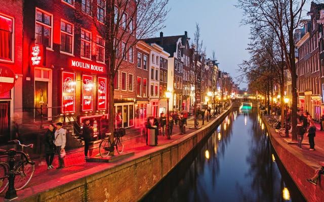 amsterdam-quartiere-a-luci-rosse-poracci-in-viaggio