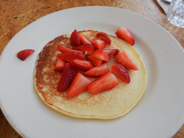 Cafe Lift - Lemon Ricotta Pancake Side