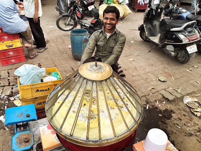 nimish gol darwaza street food lucknow chowk