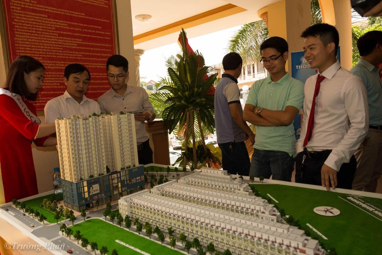 Khách hàng quan tâm đến dự án chung cư Lộc Ninh.