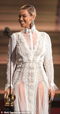 beyonce lace outfit at grammys