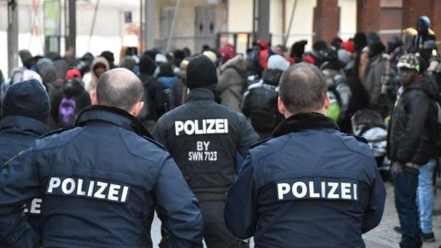 ΕΚΤΑΚΤΟ – ΧΑΜΟΣ στη Γερμανία με τους μετανάστες!