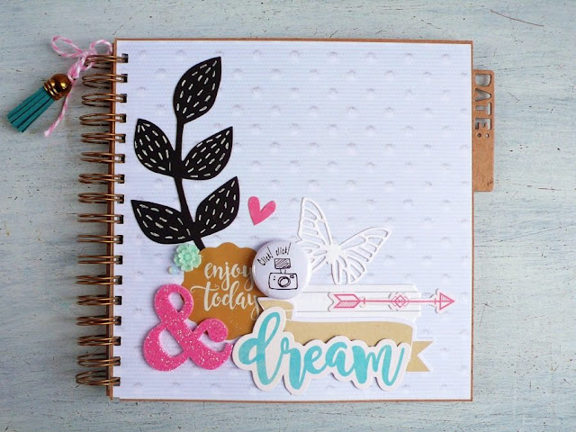 Scrapbooking- Un Mini Album con le carte 15x15