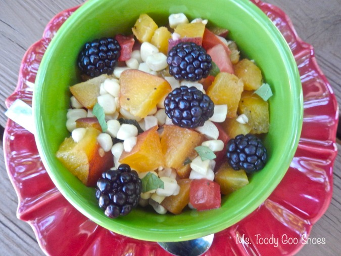 Corn and Peach Salad : Add some blackberries!