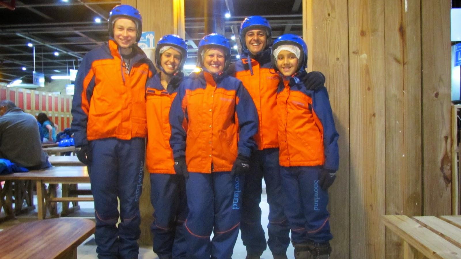 Snowland com teens